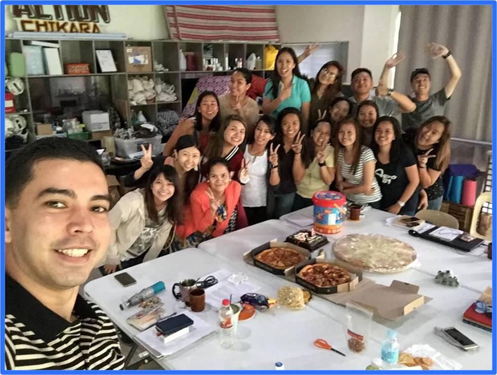 フィリピン人スタッフと交流